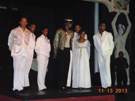 BlueBay Villas Doradas Adults Only: Entertainment Crew