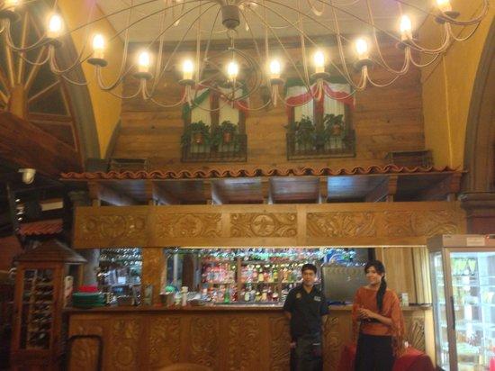 El Patio Tlaquepaque: The bar