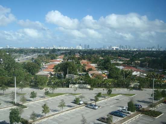 Miami Airport Marriott: Beautiful view of Miami from our room.
