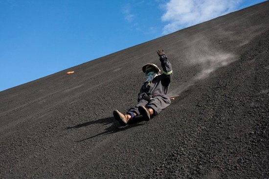Cerro Negro Volcano : Sliding down all covered