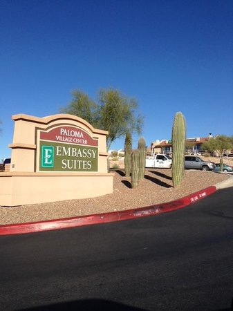 Embassy Suites by Hilton Tucson Paloma Village : Entrance Sign