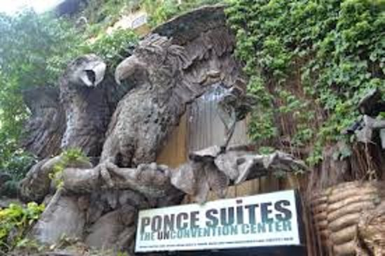 Ponce Suites Gallery Hotel