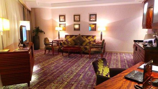 Movenpick Hotel West Bay Doha: Living Room