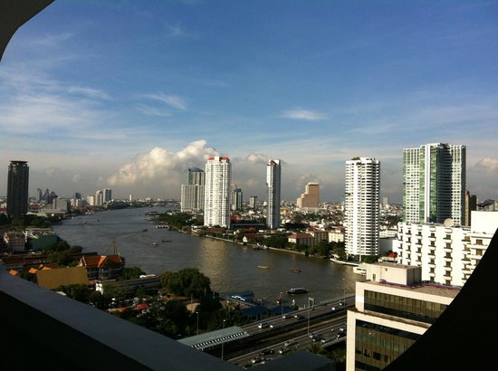Centre Point Hotel Silom: Deluxe River View room 2018