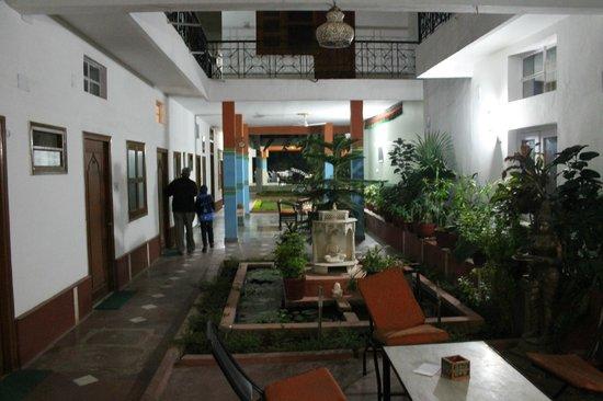 Hotel Harmony: Common area in night