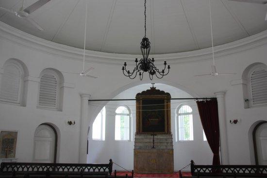 Armenian Church : Inside the church