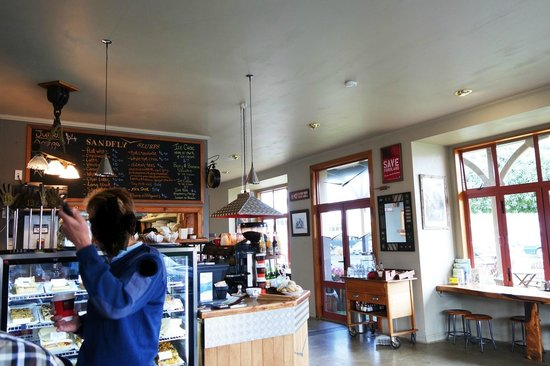 Sandfly Cafe : local hang out