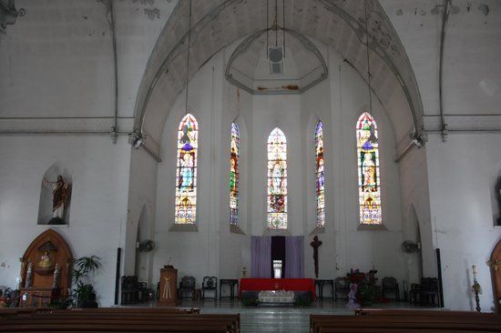 Church of Saints Peter and Paul: Stained glass windows