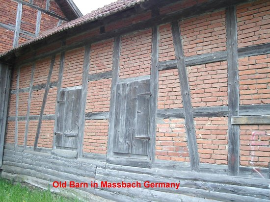 Massbach, Tyskland: The old style beam and brick construction is shown here.