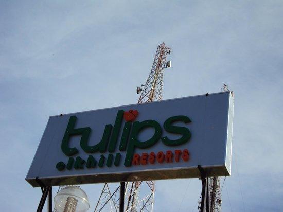 Tulips Elk Hill Resort: Sign board