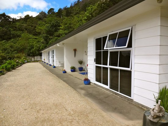 Te Mahia Bay Resort: Heritage units