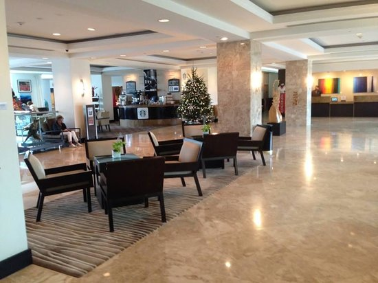GALLERYone - A DoubleTree Suites by Hilton Hotel: Lobby