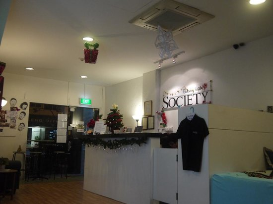 New Society Backpackers' Hotel: Hostel lobby
