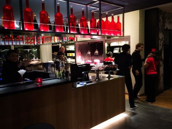 citizenM Rotterdam: Hotel (cocktail)bar