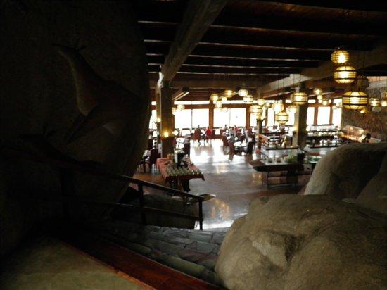 Seronera Wildlife Lodge: Rocky Bar!