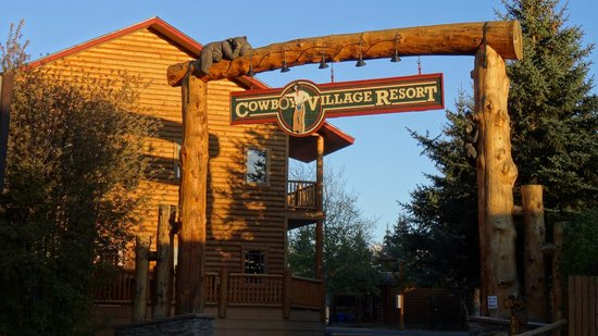 Cowboy Village Resort: entrance to the resort