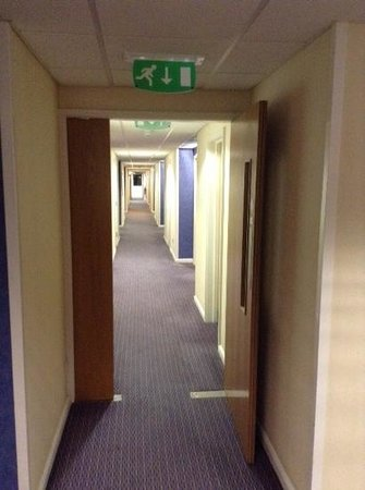Holiday Inn Express Southampton West: corridor