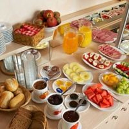 Hotel Ingrid: Frühstücksbuffet