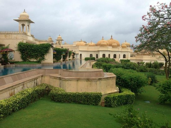 The Oberoi Udaivilas : Rooms with Semi-private Pool