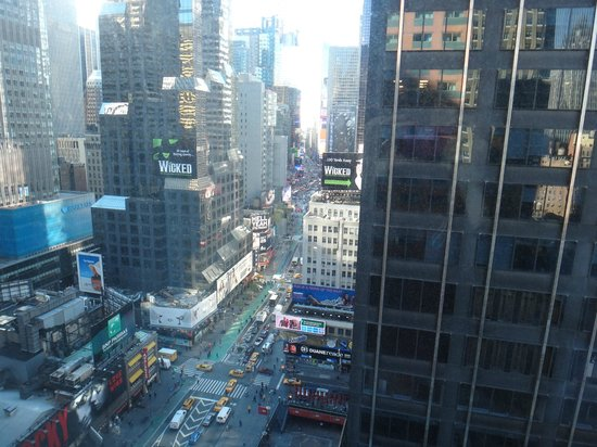 Novotel New York Times Square: View of Times Square (day)