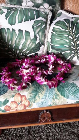 Maui Kamaole: Lei greeting on our arrival