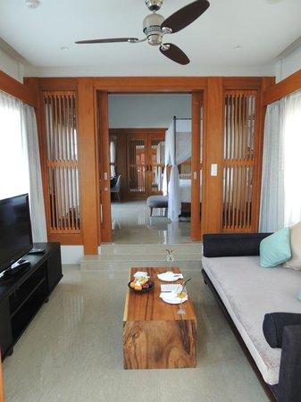 The Samaya Bali Seminyak: woonkamer en slaapkamer