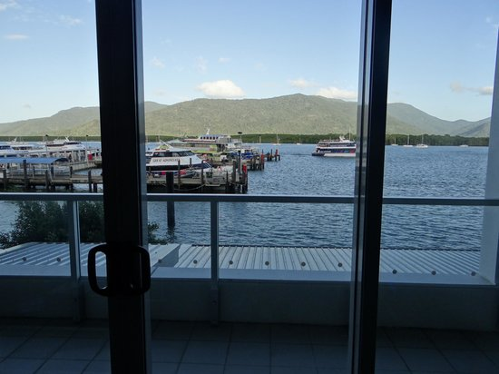 Cairns Harbour Lights : one bedroom apartment ocean view - wharf