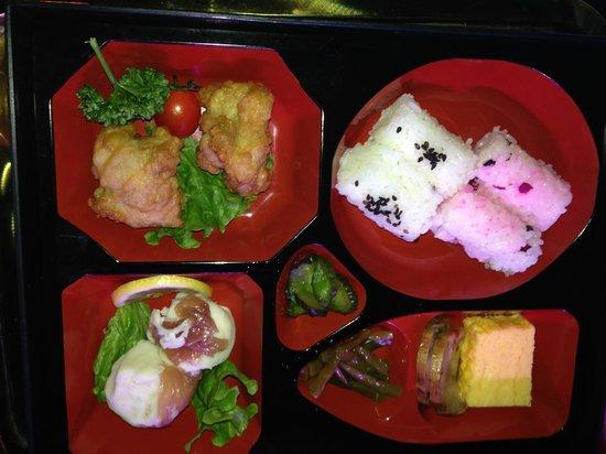 Robot Restaurant: meat bento