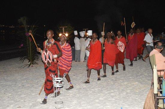 Blue Bay Village: Venerdì cena con i Masai