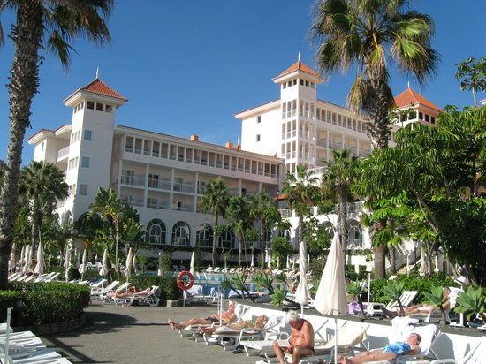 Hotel Riu Palace Madeira: Hotel view