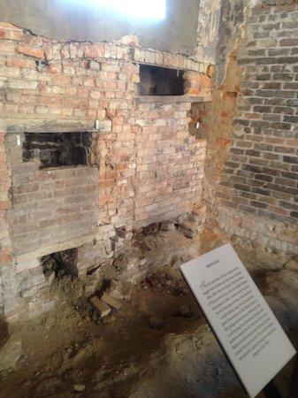 Hyde Park Barracks Museum: Remains