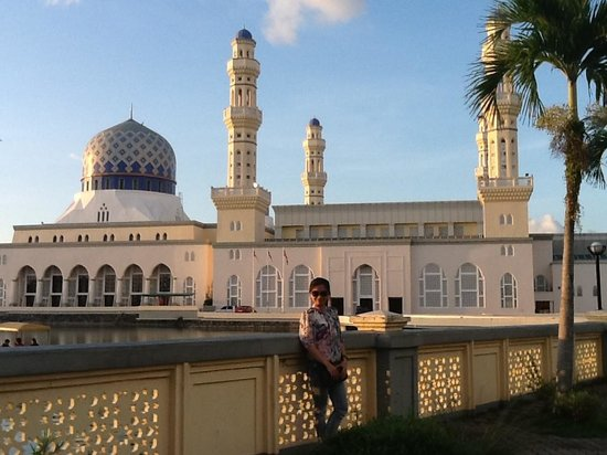 Kota Kinabalu City Mosque: on sunset