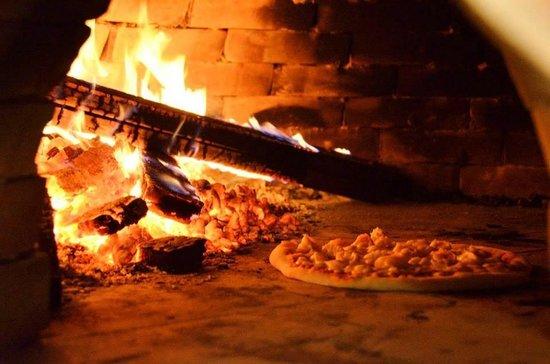 raneeu0027s restaurant 100 wood fired pizza oven - Wood Burning Pizza Oven