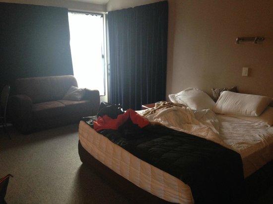 Alpine Glacier Motor Lodge: Room 9
