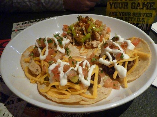 Rockhouse Bar & Nightclub : Some chicken and carne asada tacos