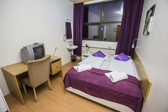 The Capital-Inn: Double room with shared bathroom