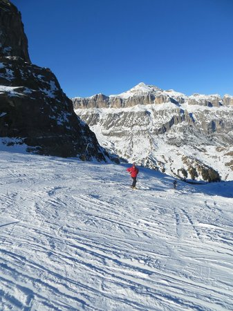 Ski and Snowboardschool Dolomites Rèba