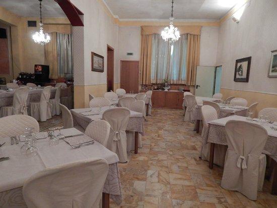 Hotel Moderno : Salle de Restaurant de l'hôtel