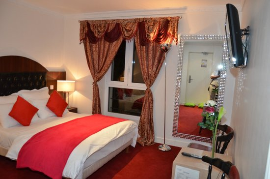 All photos  48. Hotel Regina Montmartre  67    7 2     UPDATED 2017 Prices