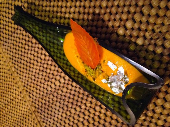 GAGGAN : Carrot mousse with silver