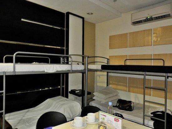 Green Windows Dormitel: Dormitory Room good for 6
