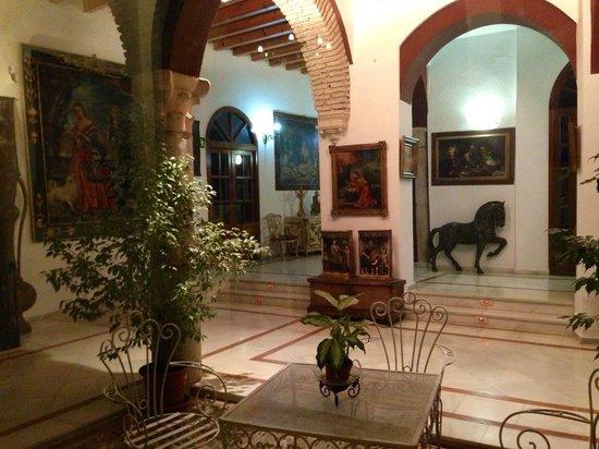 Hotel Mezquita: Холл