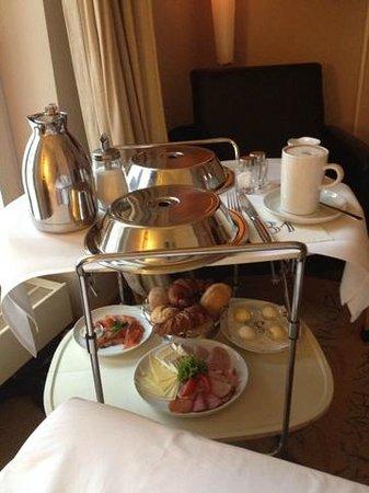 Bleibtreu Hotel: Кофе в постель :-)