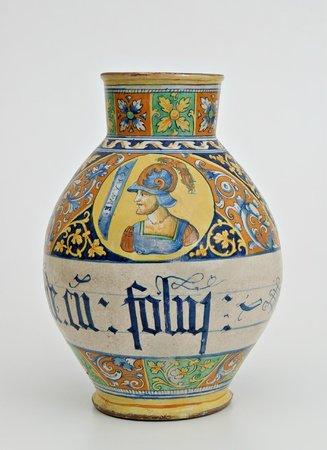 """International Ceramic Museum: Vaso con ornato """"a quartieri"""", Faenza, secolo XVI"""