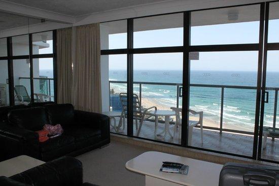 Breakfree Peninsula : living room