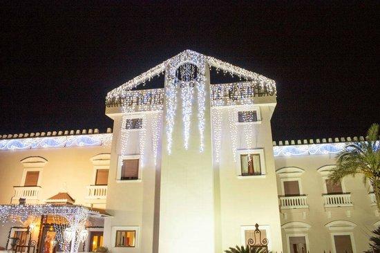 Le Ancore Hotel Resort: Facciata Centrale Grand Hotel Le Chateau