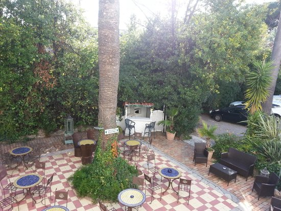 Hotel Le Pre Catelan: Вид с балкона