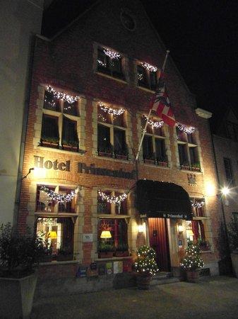 Hotel Prinsenhof Bruges: Outside of hotel Dec 2013
