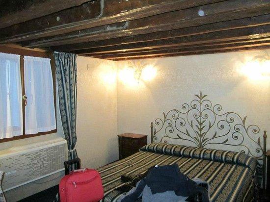 Hotel Castello : letto