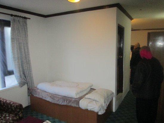 Gulmarg Resorts: Basic room